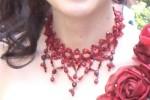 赤いネックレス
